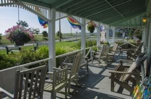ferry-beach-porch-photo